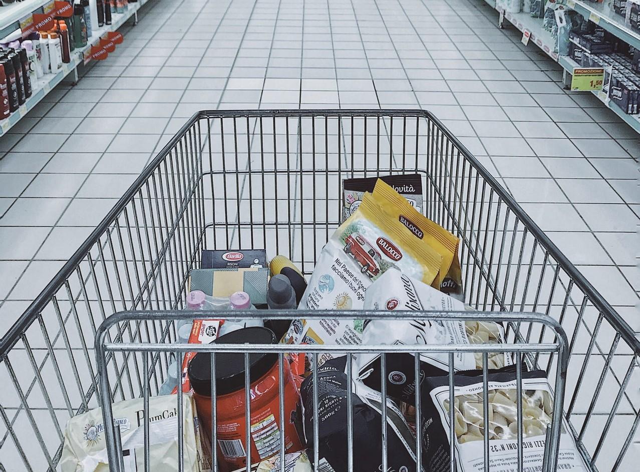 Comprar ração em Pet Shop ou Supermercado?